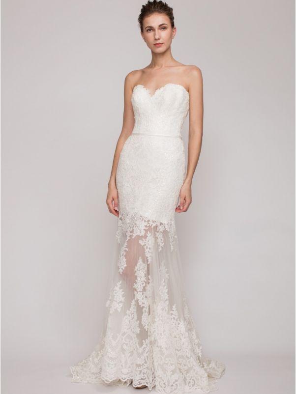 Alavus Gown